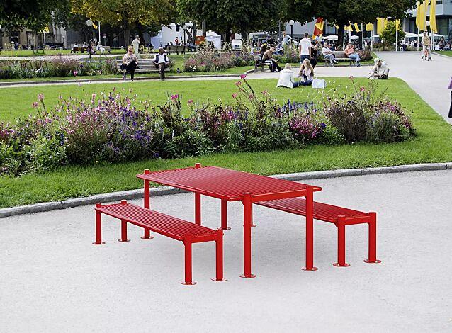 Sitzbank GLURNS ohne Rückenlehne und Tisch GLURNS, in RAL 3000 feuerrot