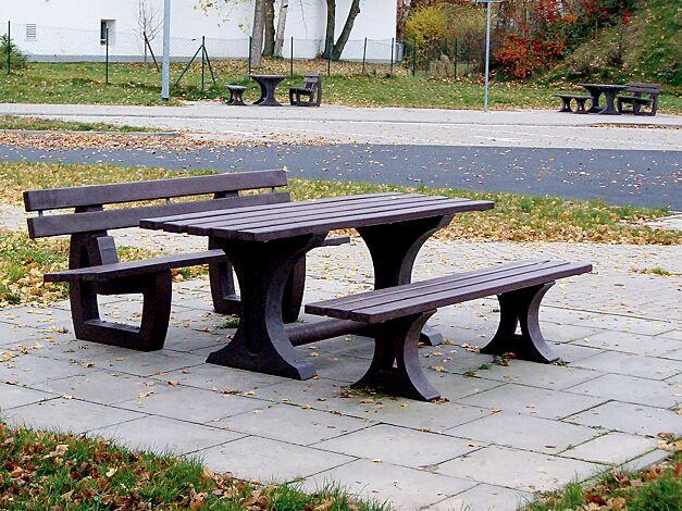Bank-Tisch-Kombination, komplett aus Recycling Kunststoff in braun Länge 2000 mm