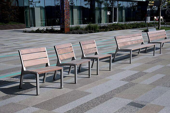 Sitz und Sitzbank MIELA mit Rückenlehne, mit Jatobaholzbelattung