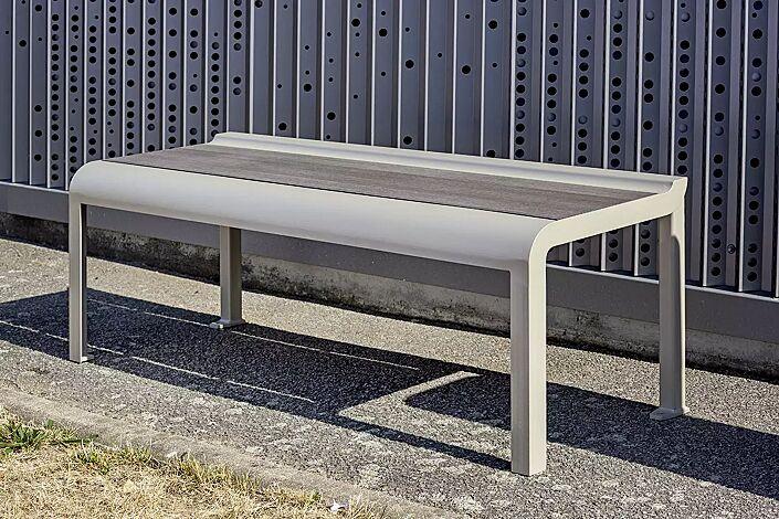Sitzbank PAOSA, Stahlteile in RAL 7044 seidengrau, Sitzauflage aus grauem Zedernholz