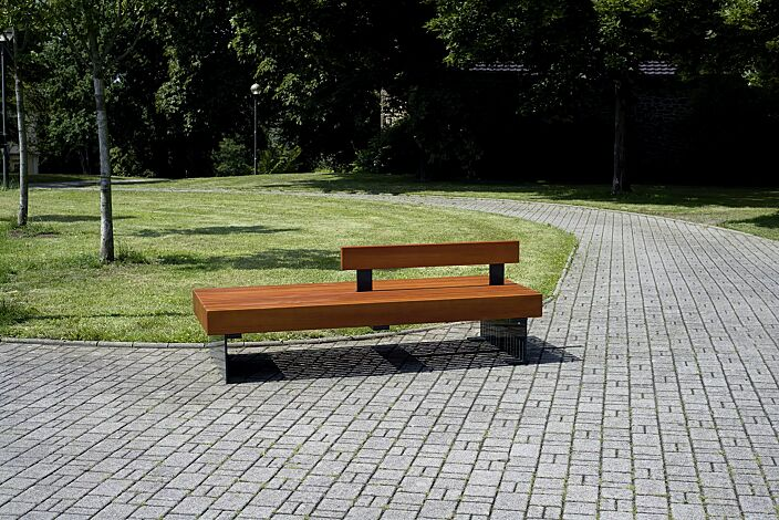 Sitzbank PESCARA doppelseitig, mit Rückenlehne, mit Lärchenholzbelattung, Stahlteile in RAL 7016 anthrazitgrau