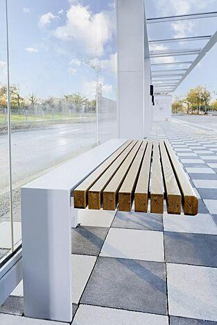 Sitzbank PURE, 3-Sitzer mit Holzauflage, Stahlkonstruktion in RAL 9006 weißaluminium