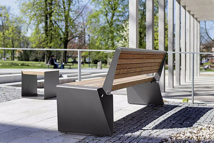 Sitzbank RADIUM mit Rückenlehne, mit Jatobaholzbelattung, Stahlteile in RAL 9007 graualuminium