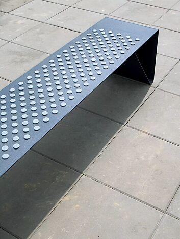 Detail: Sitzfläche, mit Kunststoffnoppen