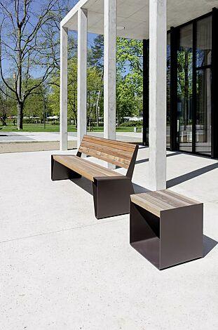 Sitzbank RADIUM mit Rückenlehne und Sitz RADIUM, mit Jatobaholzbelattung, Stahlteile in 7016 anthrazitgrau