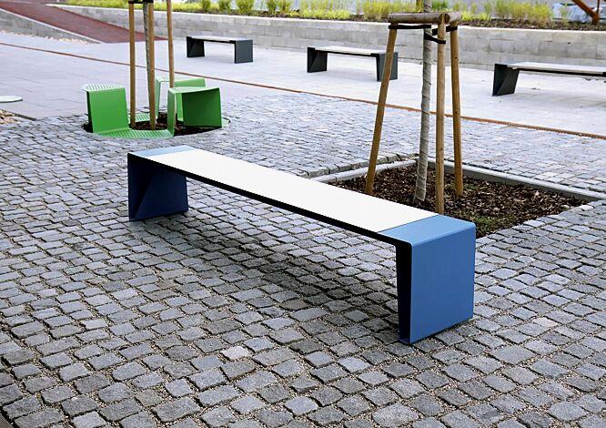 Sitzbank RADIUM ohne Rückenlehne, mit weißer HPL-Auflage, Stahlteile in RAL 5015 himmelblau