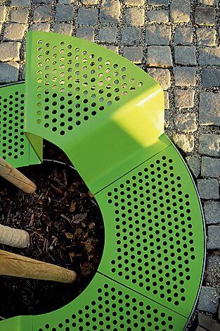 Baumschutzrost mit Sitz, in RAL 6010 grasgrün