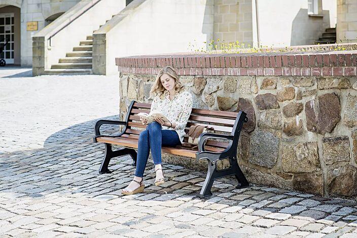 Sitzbank VALENTINO mit Armlehnen, mit Merantiholzbelattung