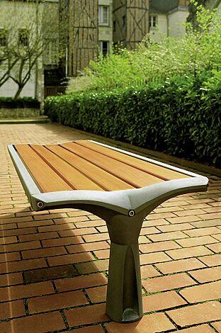 Sitzbank VESTA ohne Rückenlehne, mit Holzbelattung, Gusseisengestell in RAL 9007 graualuminium