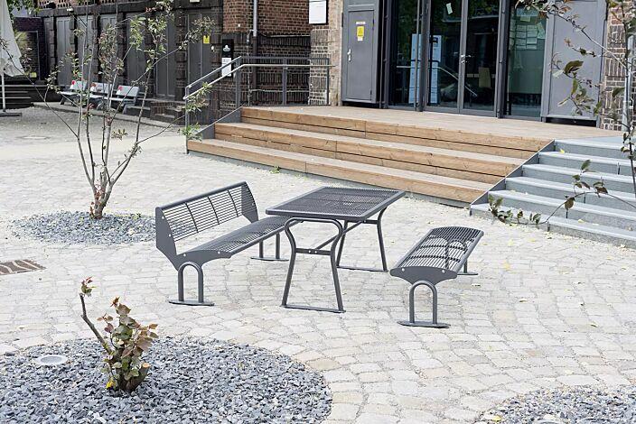 Tisch GAMMA und Sitzbank TAURUS mit und ohne Rückenlehne, in DB 703 eisenglimmer
