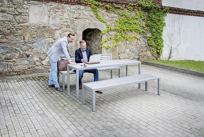 Tisch LIGURIA zum freien Aufstellen, mit Edelstahlauflage sowie Sitzbank LIGURIA