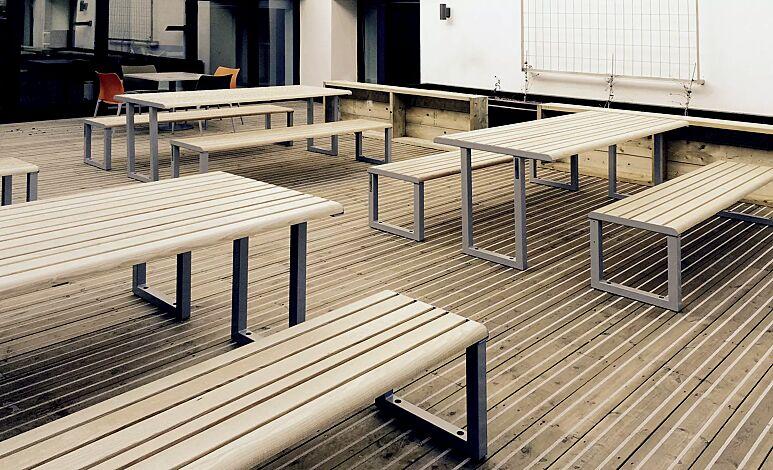 """<div id=""""container"""" class=""""container"""">Tisch MANTUA und Sitzbank MANTUA ohne Rückenlehne, Stahlteile in eisenglimmergrau</div>"""