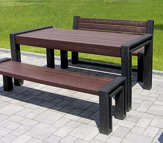 """<div id=""""container"""" class=""""container"""">Bank-Tisch-Kombination ODERZO bestehend aus Sitzbank mit und ohne Rückenlehne und einem Tisch, aus Recycling-Kunststoff</div>"""