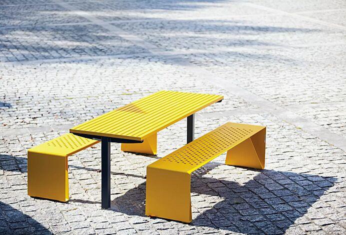 Tisch RADIUM und Sitzbank RADIUM ohne Rückenlehne, Stahlteile in RAL 1021 rapsgelb und 7016 anthrazitgrau (zweifarbig auf Anfrage)