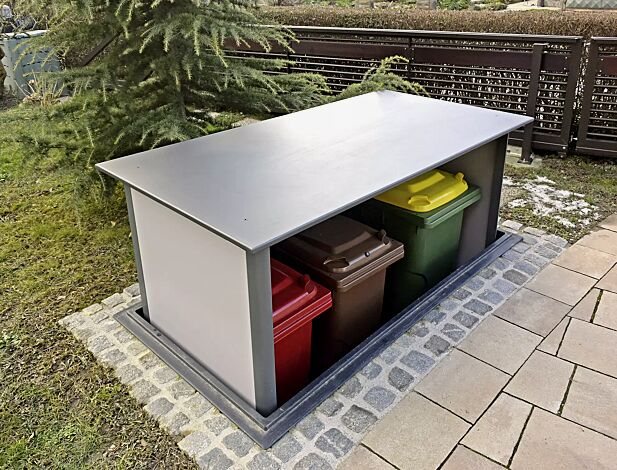"""<div id=""""container"""" class=""""container"""">Unterflur-Müllbehälterschrank HIDEOUT für Tonnengröße 3 x 120 Liter</div>"""