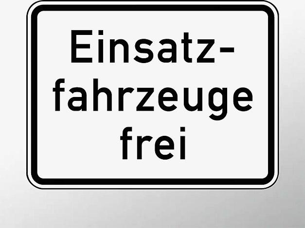 Verkehrszeichen: Einsatzfahrzeuge frei