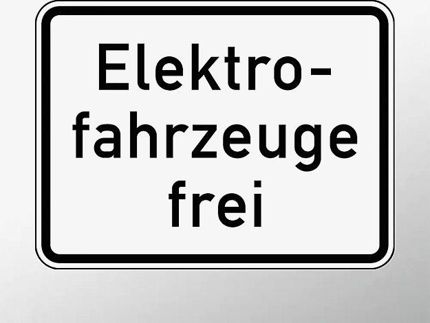 Verkehrszeichen: Elektrofahrzeuge frei