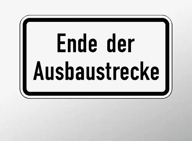 Verkehrszeichen: Ende der Ausbaustrecke