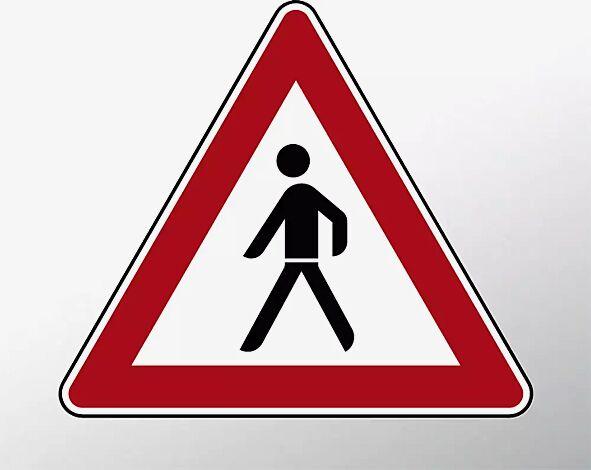 Verkehrszeichen: Fußgänger, Aufstellung rechts