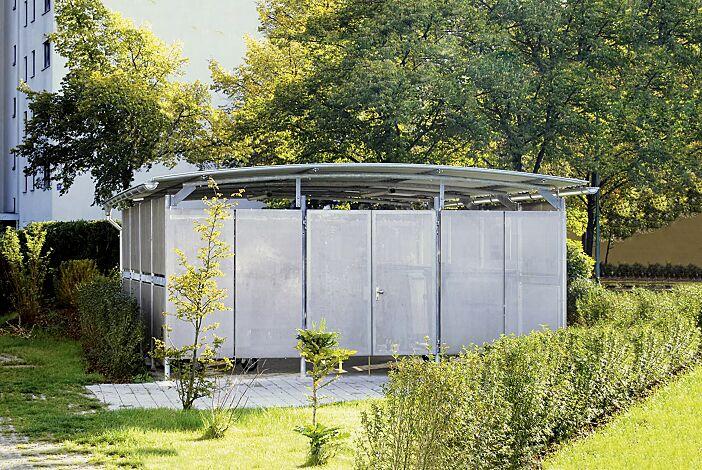 Wertstoffumhausung BWA bausystem® Dachbreite x Dachtiefe 5200 mm x 2300 mm, Stahlkonstruktion feuerverzinkt inkl. Rück-, Seiten- und Frontwand mit Tür aus Lochblech, Dacheindeckung Stahlwellblech